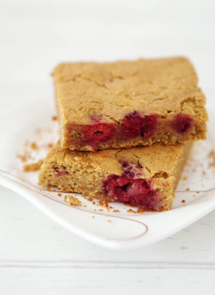 gluten-free-cake-vegan-rasberries